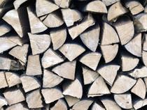 「手刻み」による大工仕事で、「木のぬくもり」を提供する